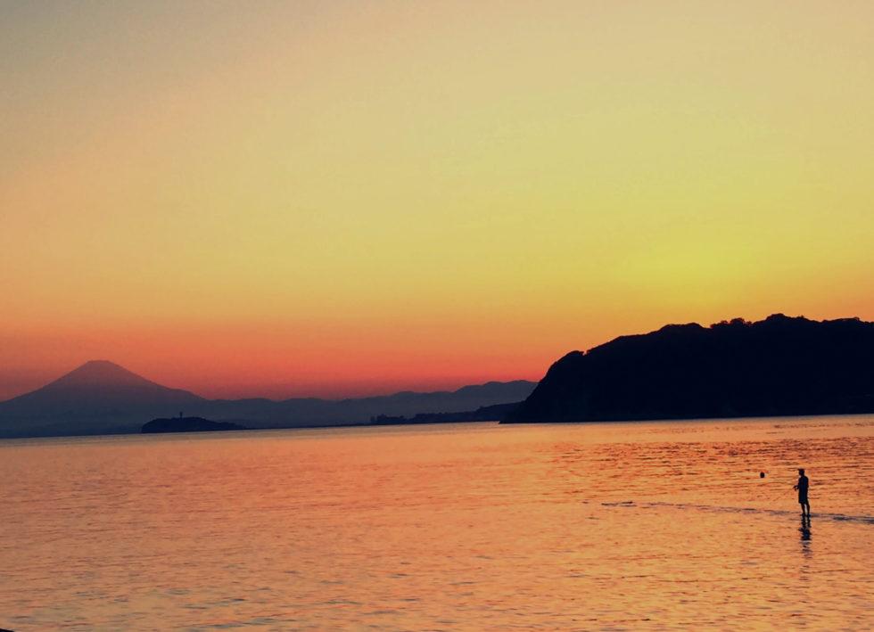 富士山 江ノ島 釣り人