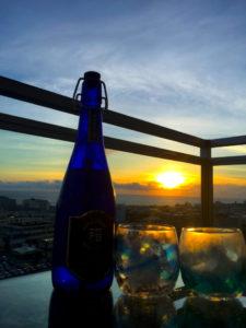 泡盛、夕日、琉球グラス