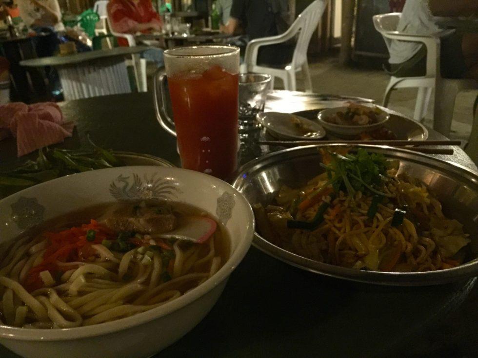 晩ご飯、沖縄そば、タイ料理
