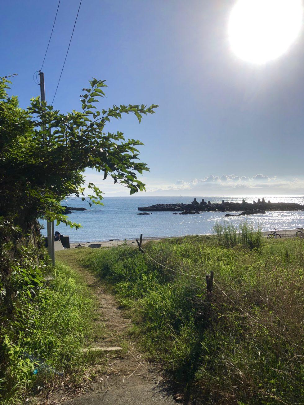 海が見えるホテル、うみのホテル、小径、散策、海辺
