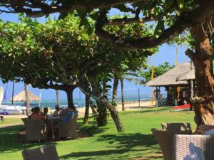 テラス 海辺 レストラン