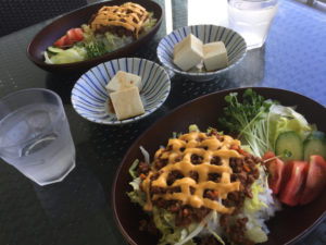 タコライス、島豆腐、チーズ